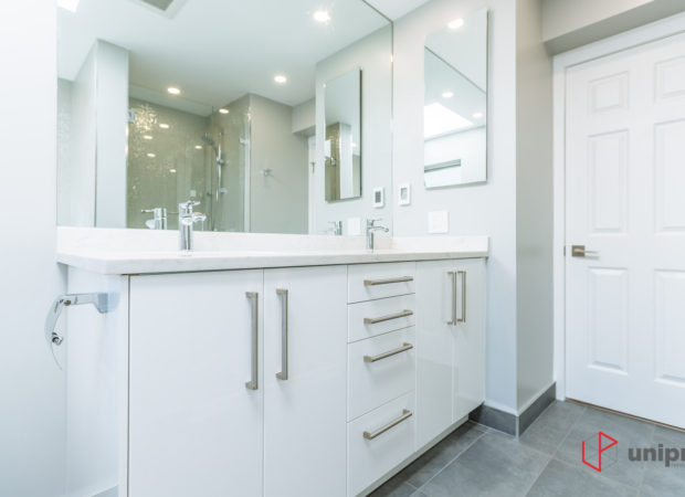 Two bathrooms renovation in Dunbar neighbourhood
