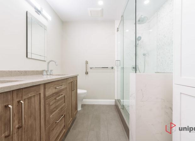 Burnaby 2 Bathrooms and closets renovation